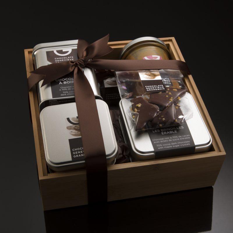 Panier cadeau en bambou de 6 produits